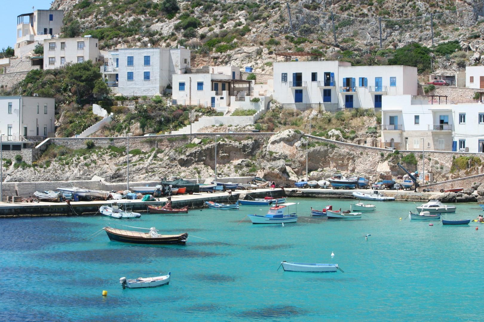 Italy_Sicily_Aegedi_Islands_Marettimo_harbor