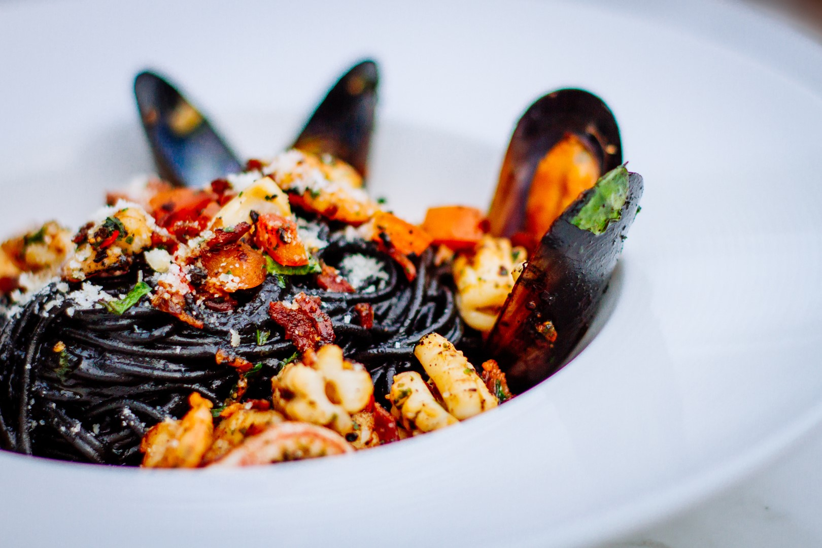 Pasta squid ink prawns