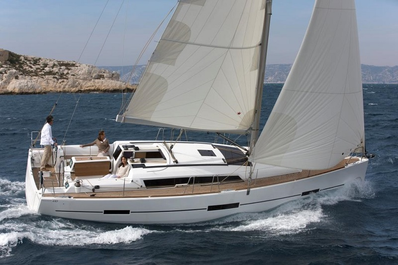 Dufour Grand Large 410