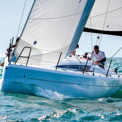 Italia 9.98 sailing boat