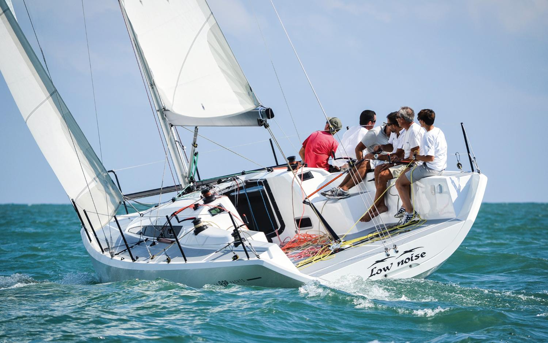 Sailing yacht Italia 9.98