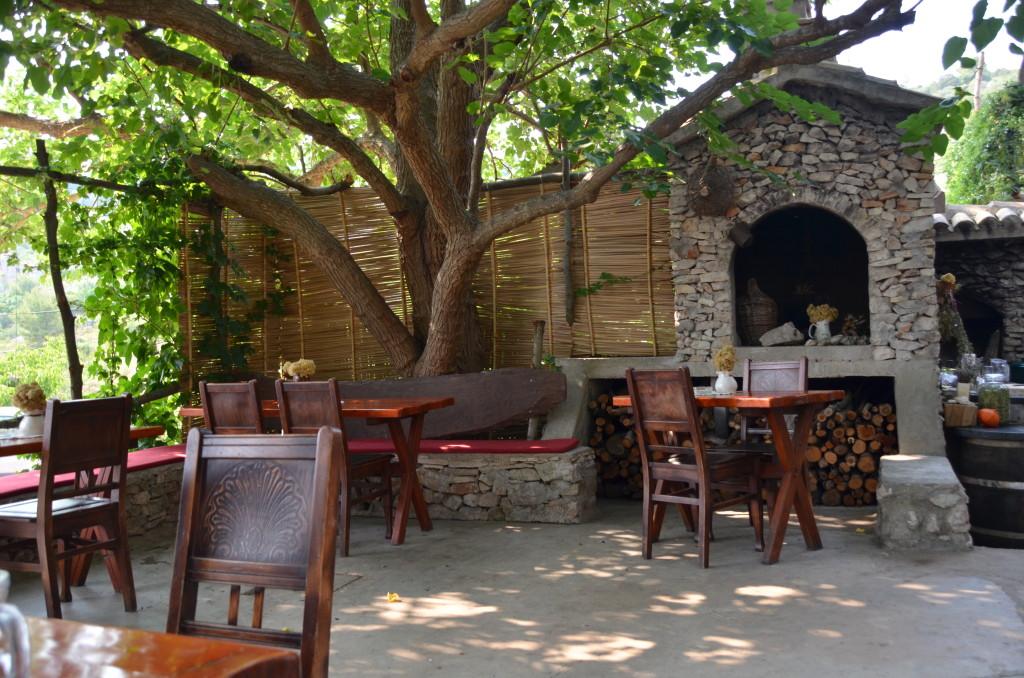 Pol Murvu tavern