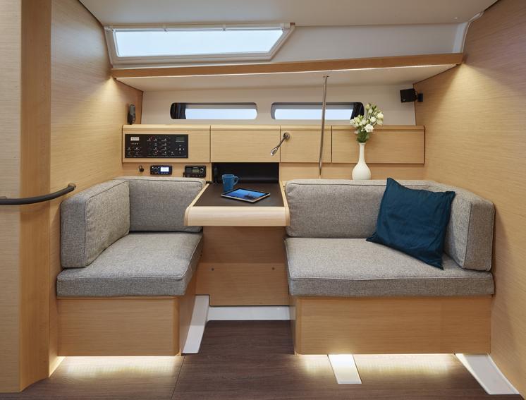 SO 449 interior