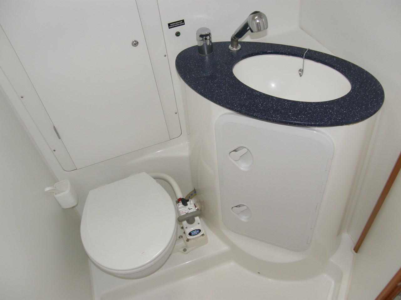 Cyclades 50.5 Interior Toilet
