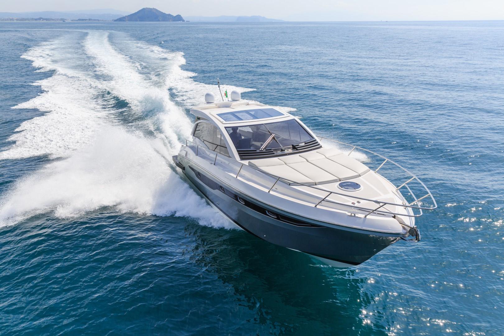 Luxury_motor_yacht