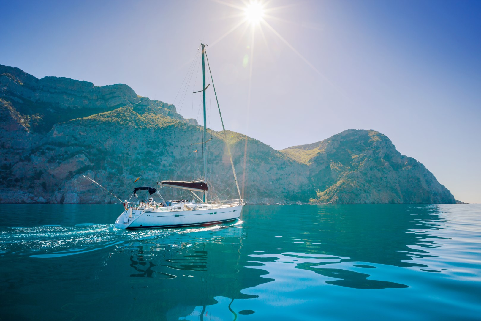 Sailing_Yacht_