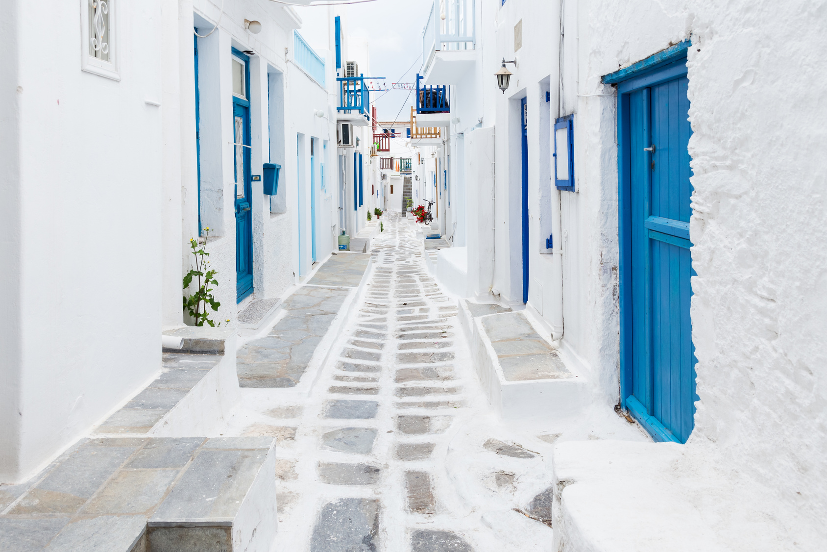 Greece-architecture-white-blue-houses-sailing-holiday