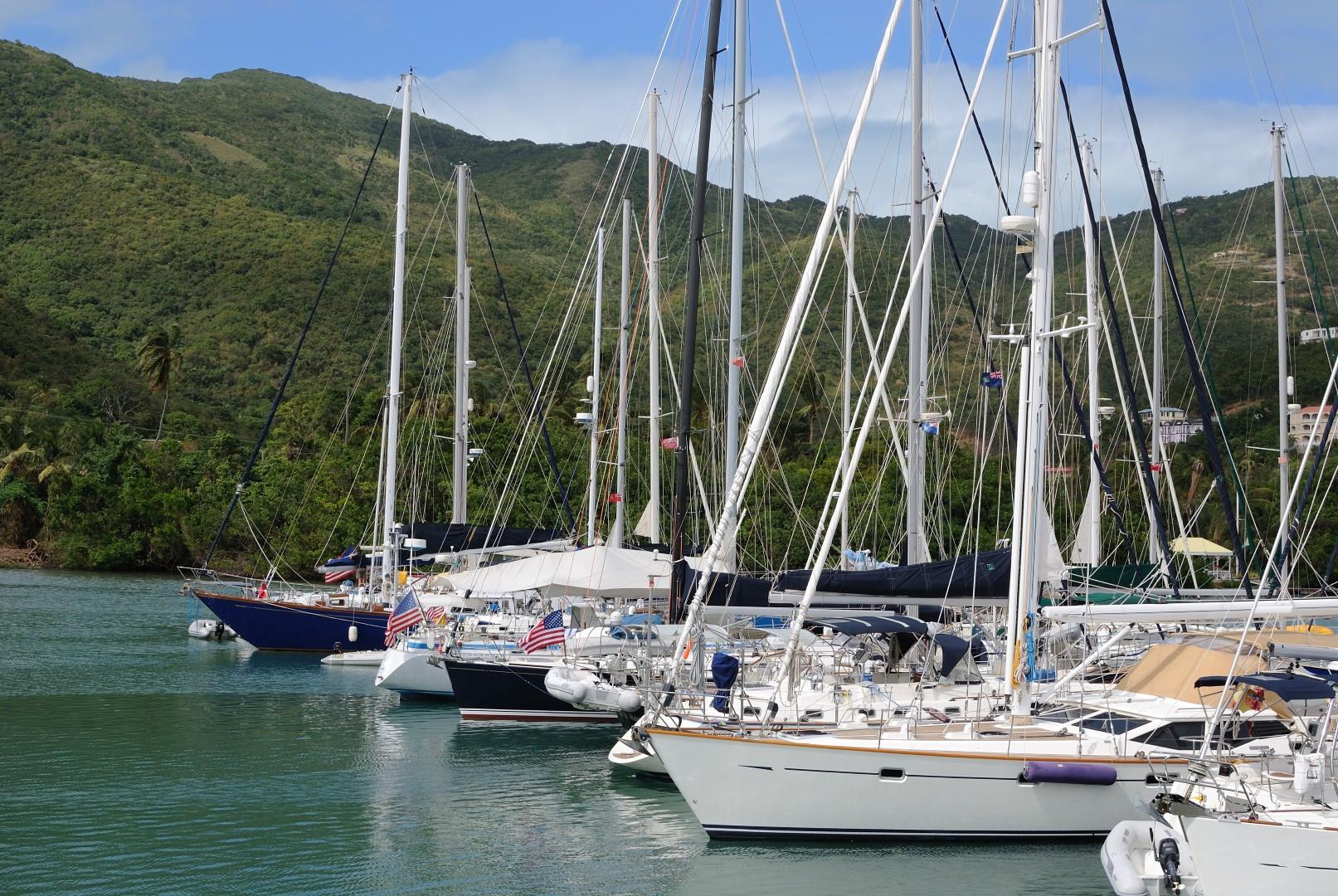 charter-marina-boat-base-fleet-sailing-yacht