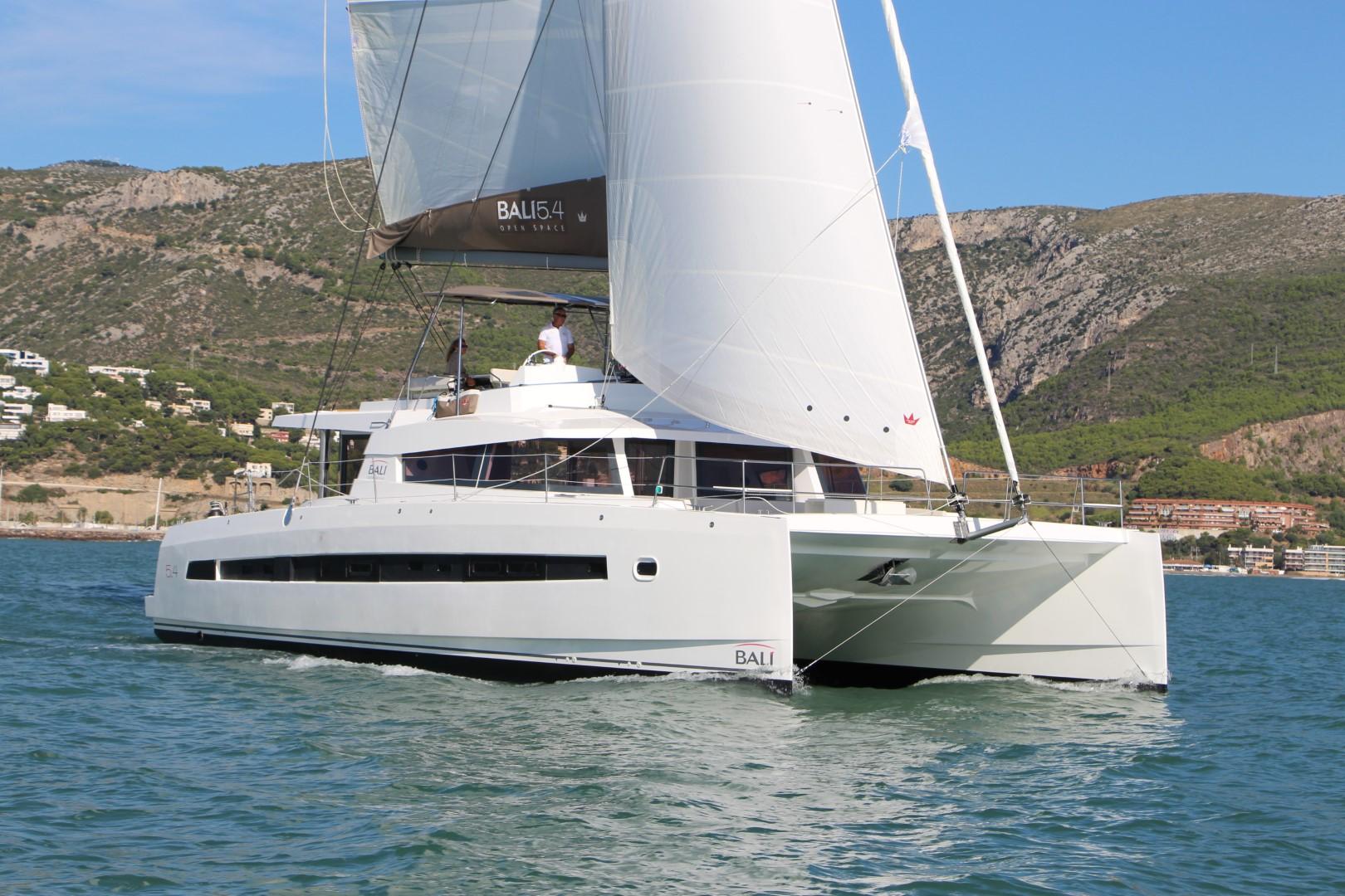 bali-5.4-catamaran-sailing-yacht-charter-boat-0