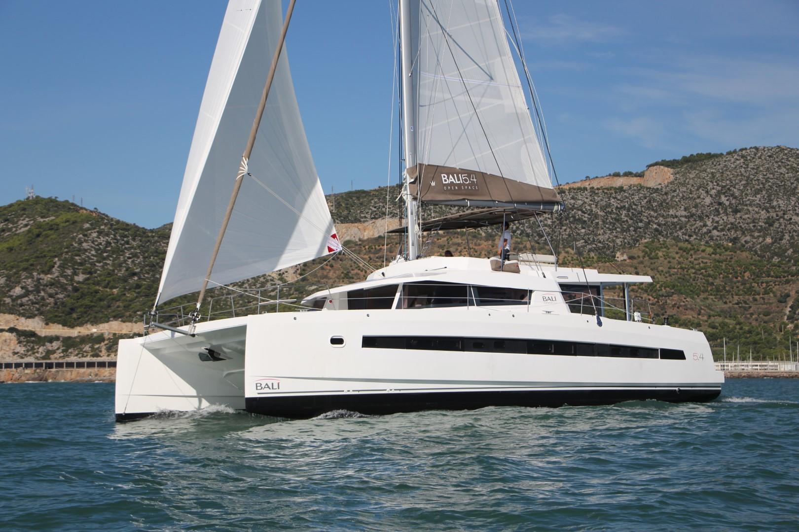 bali-5.4-catamaran-sailing-yacht-charter-boat-1