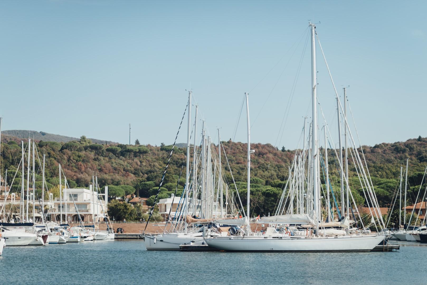 italy-tuscany-marina-di-scarlino-sailing-charter-yacht-boat-skipper-license
