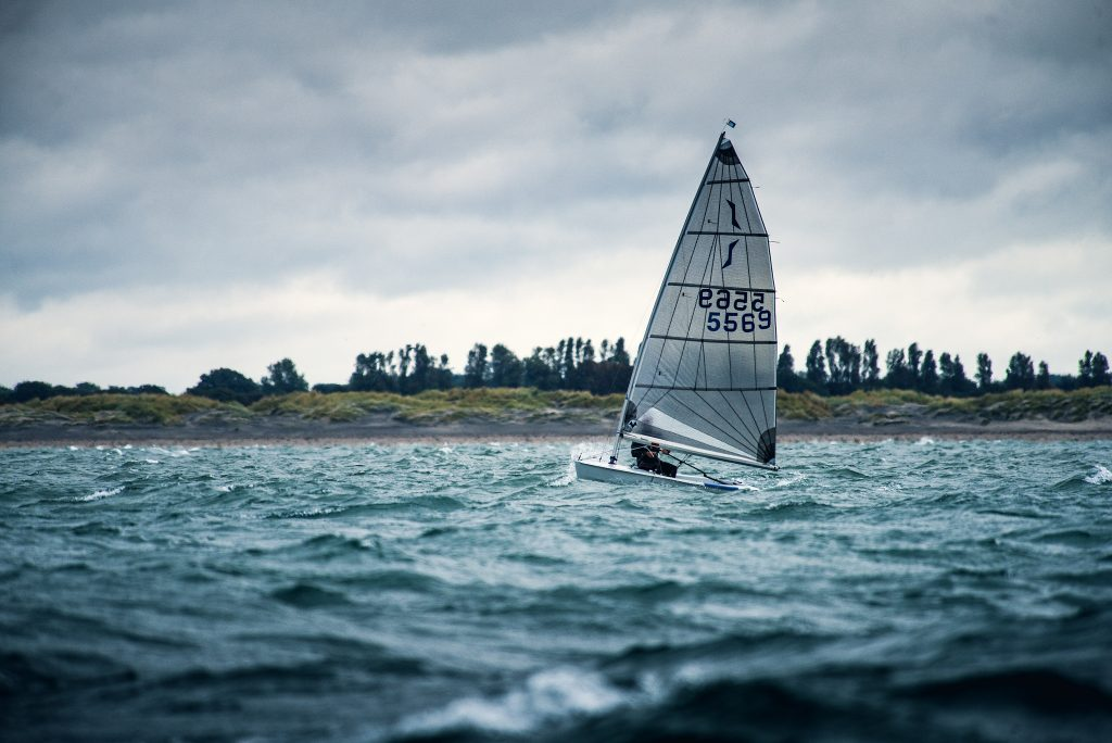 sailing dinghy_crusing