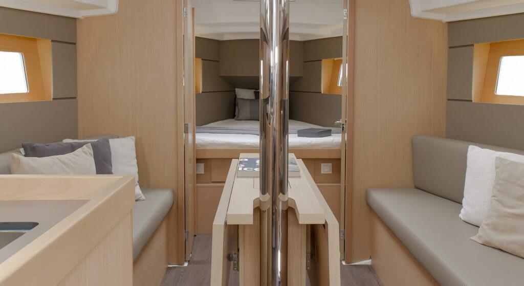 Interior design of Oceanis 35.1