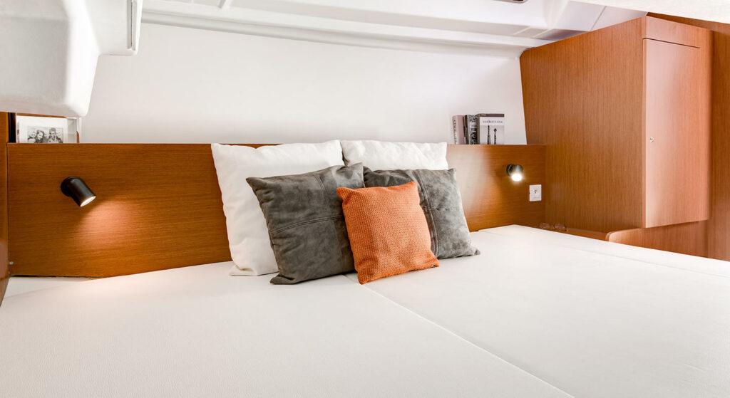 Bedroom in Oceanis 35.1